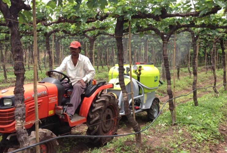 Sprayer-Espalier vineyards-Trailed -Nm 300 - 400