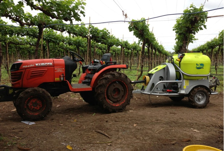 Sprayer-Canopied vineyards-Trailed -Nm 300 - 400