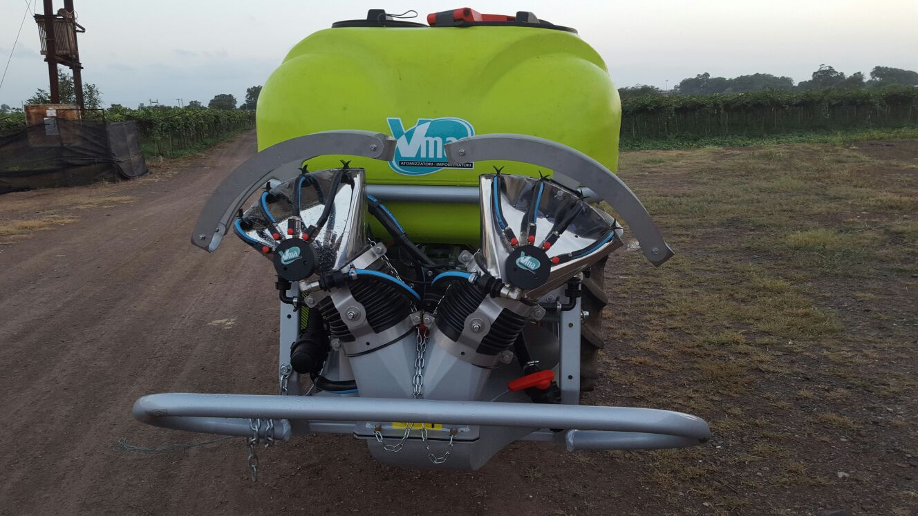 Sprayer-Canopied vineyards-Trailed -Nm 600