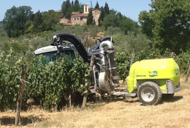 Sprayer-Espalier vineyards-Two-wire-Power 55.12  Lt 1000 - Lt 1500 - Lt 2000